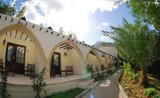 Recenze Bellapais Monastery Village
