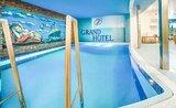 Recenze Grand Hotel
