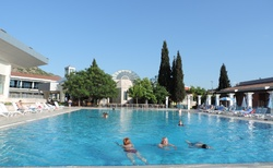 Colossae Karahayit - venkovní prostory _ plavecký bazén