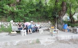Cesta na Chiméry - zastávka u čaje