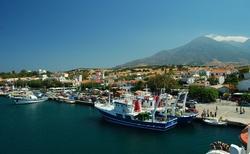 Malý a útulný přístav na Samothraki. Jediný přístav!
