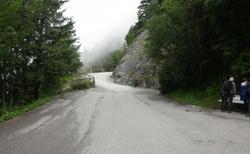 Ledová jeskyně Eisriesenwelt - cesta k lanovce