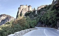 Pešou turistikou ku Roussanou Monastery