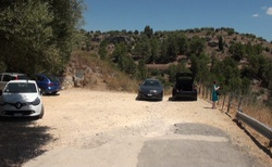 Sicílie - parkoviště v NP Pantalica